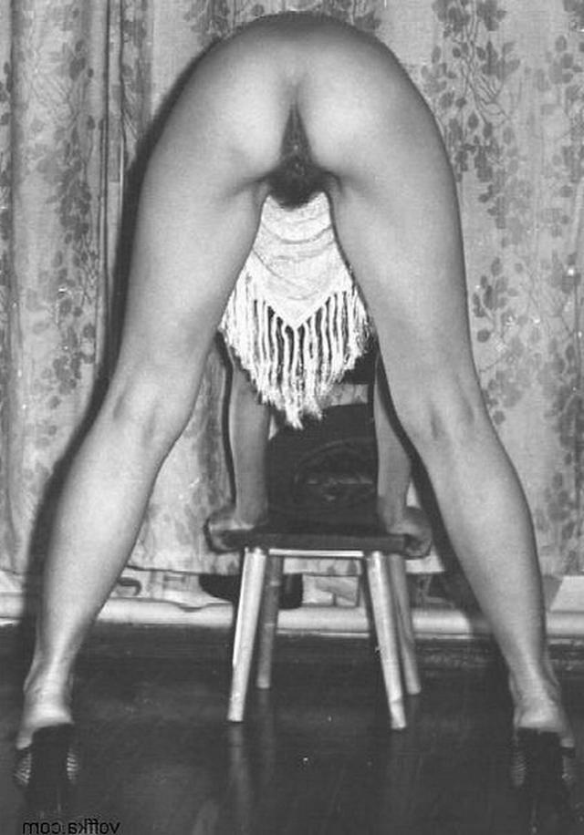 Винтажная коллекция домашних снимков развратных мамочек 14 фото