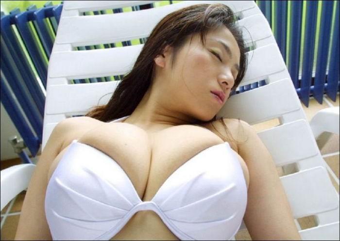 Подборка девушек с большой грудью 8 фото
