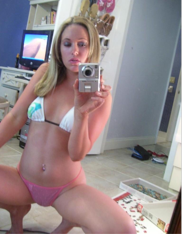 Селфи голых леди в зеркале 10 фото