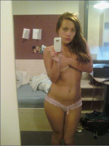 Селфи голых леди в зеркале 13 фото