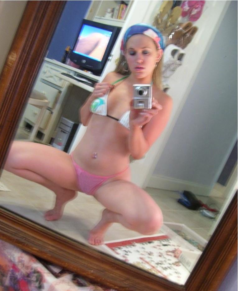 Селфи голых леди в зеркале 15 фото