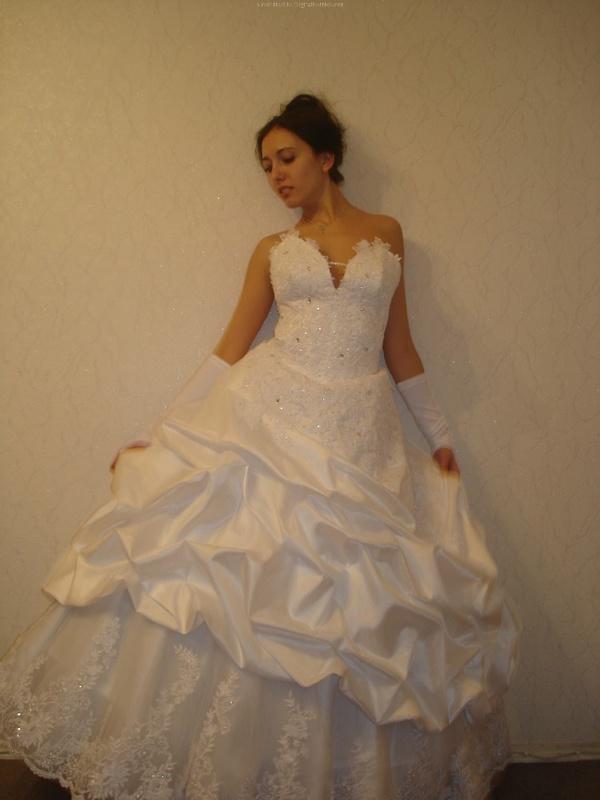 Русская жена сняла платье и показала мужу большую попу дома 10 фото