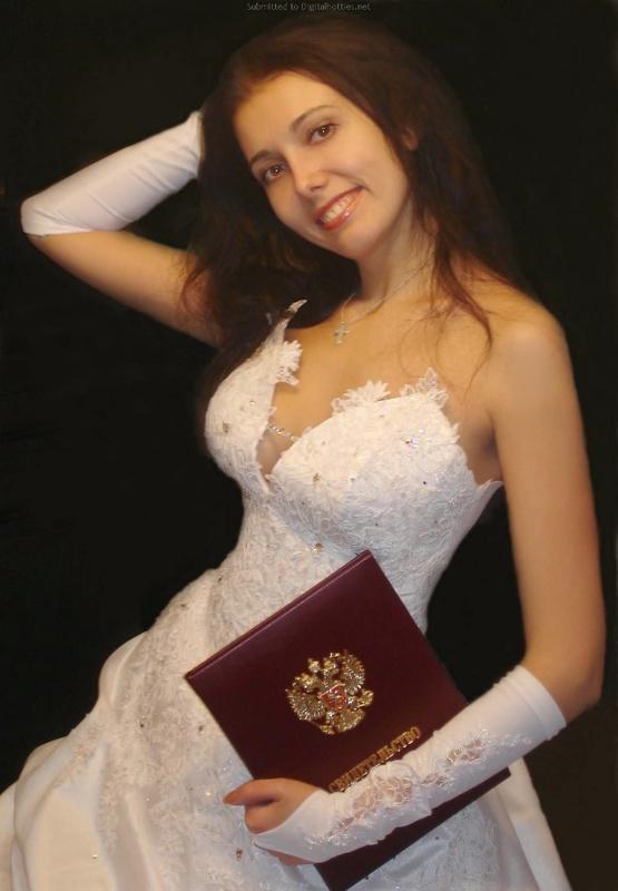 Русская жена сняла платье и показала мужу большую попу дома 6 фото