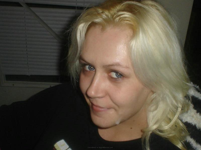 Личная коллекция домашних эро снимков рокерши-блондинки 9 фото