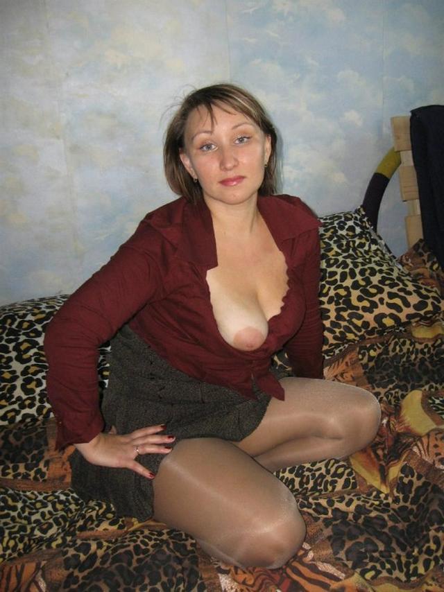Сочные мамочки от 30ти и выше раздвигают ноги на камеру 3 фото