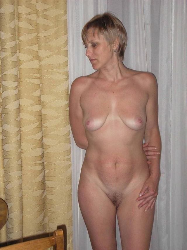 Сочные мамочки от 30ти и выше раздвигают ноги на камеру 23 фото