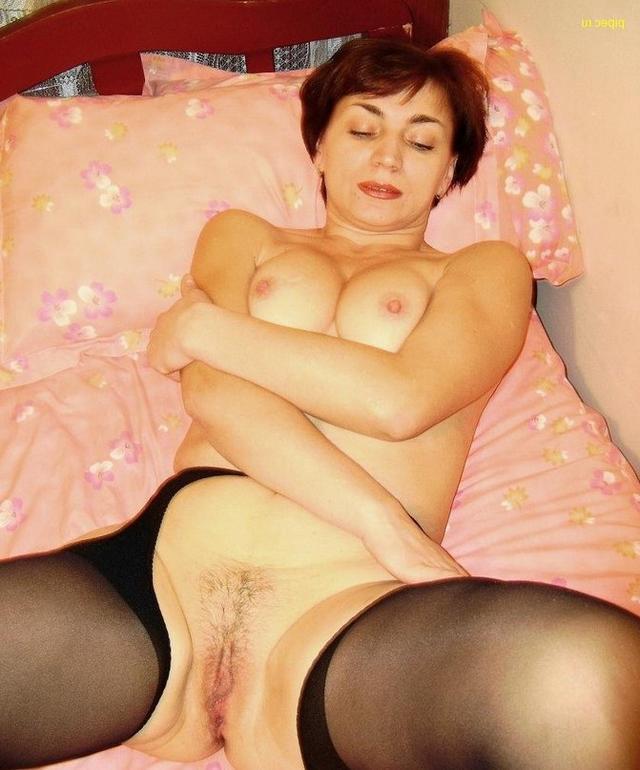 Сочные мамочки от 30ти и выше раздвигают ноги на камеру 13 фото