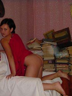 Лесбийские ласки двух няшных девок