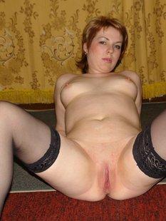 Похотливые дамы за 30 раздвигают ноги и встают рачком на камеру