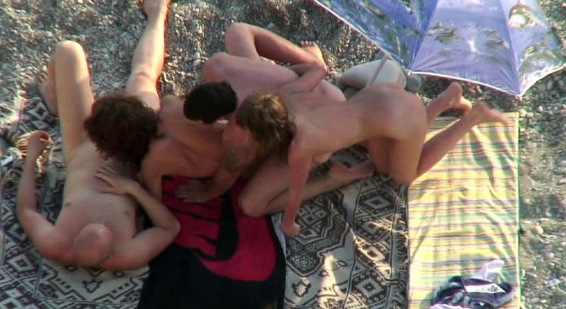 Свингерская групповуха, снятая на скрытую камеру 4 фото