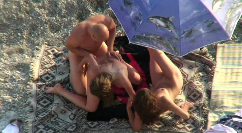 Свингерская групповуха, снятая на скрытую камеру 16 фото