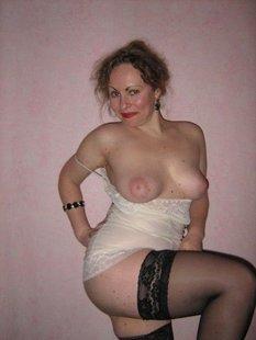 Сексуальные дамочки фотографируются голышом при удобном случае