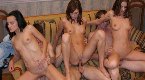 Групповуха и анальный секс с молодыми телочками 4 фото
