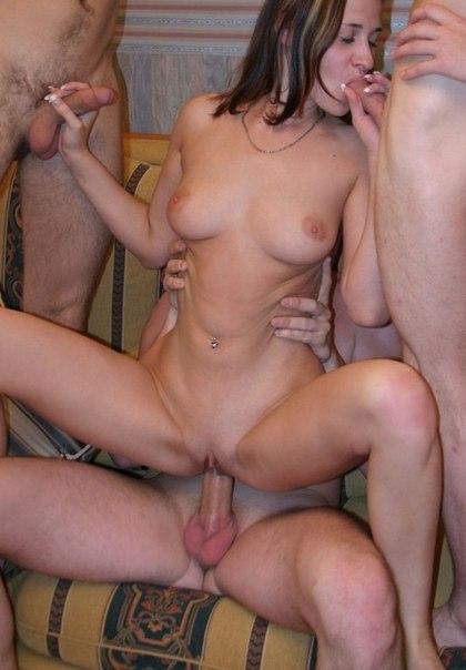 Групповуха и анальный секс с молодыми телочками 28 фото