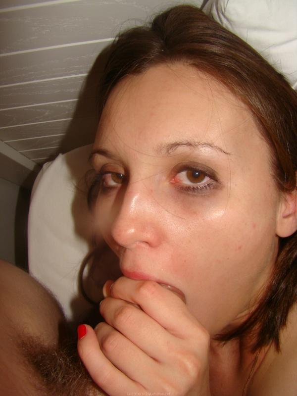 Пьяная студентка сосет член старшекурсника 10 фото