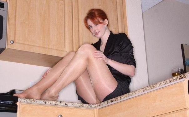 Сексуальные секретарши не похожи друг на друга 18 фото