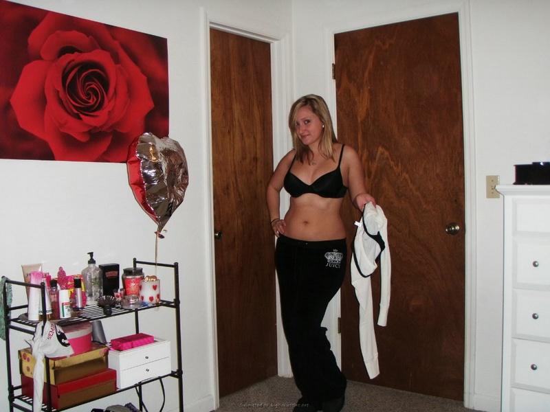 Студентка из Майами позирует в нижнем белье и голая для бойфренда 25 фото
