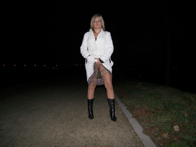 Прошмандовка найдет время и настроение на секс 3 фото