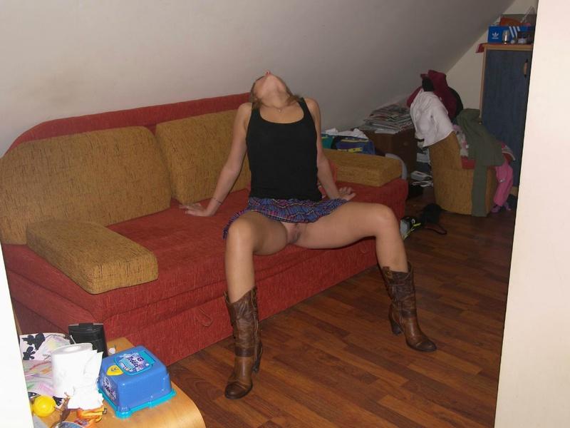 Прошмандовка найдет время и настроение на секс 8 фото
