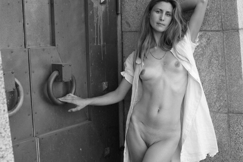 30летняя баба развелась с мужем и пытается стать моделью 6 фото
