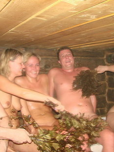 Русские бабы зажигают с чужими мужьями дома и в бане