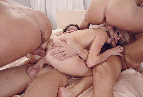 Все одинокие девушки сегодня радуются групповому сексу 19 фото