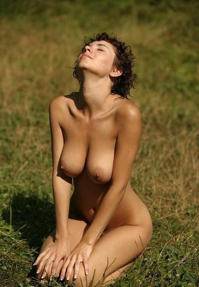 У женщин очень легко попросить откровенные снимки 18 фото
