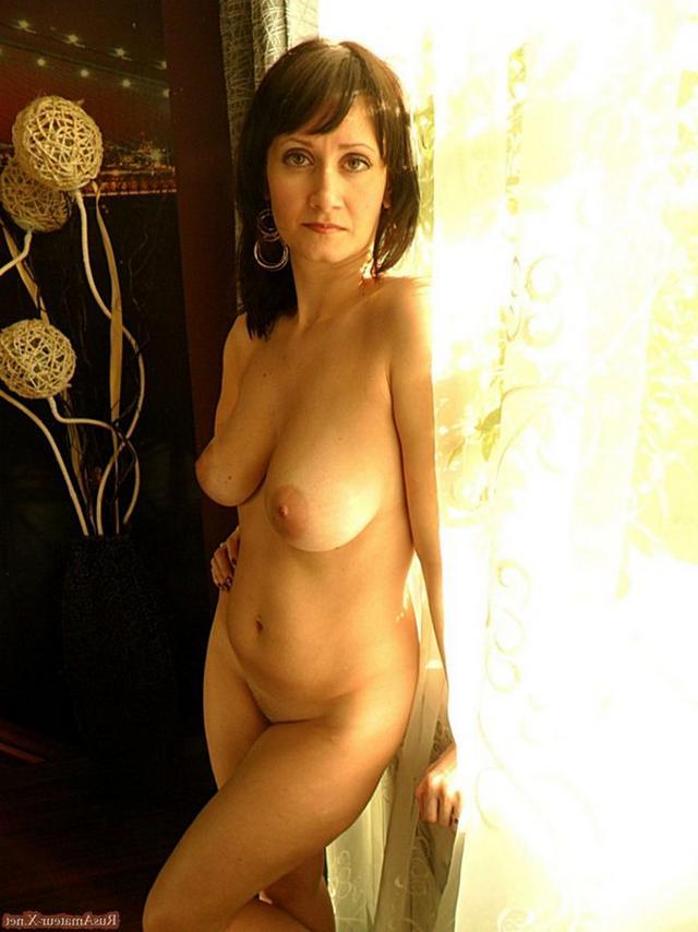 40летняя мать одиночка с дородной фигурой красуется увесистыми титьками 15 фото