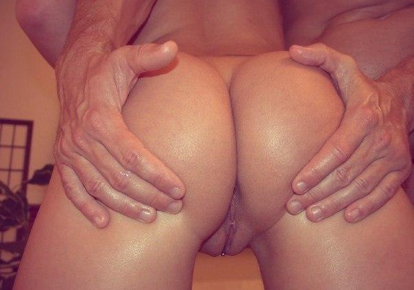Дамы в соку показывают свои аппетитные задницы и пилотки 4 фото