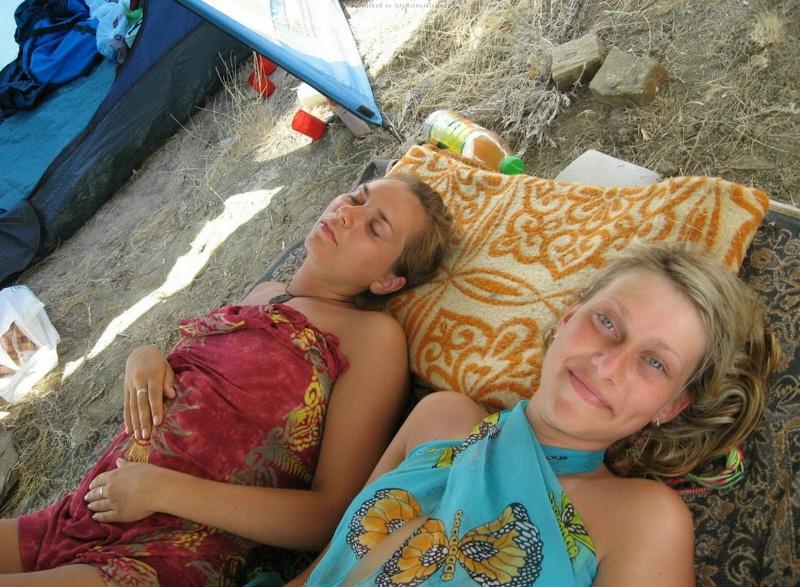 Эротические снимки отдыхающих дикарями девушек на море 19 фото