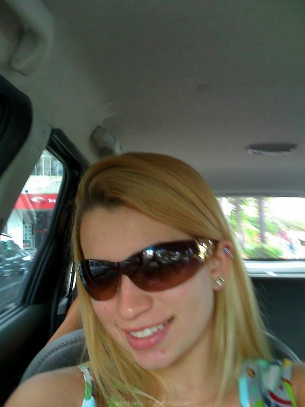 Личные снимки блондинки с большими дойками из Америки 24 фото