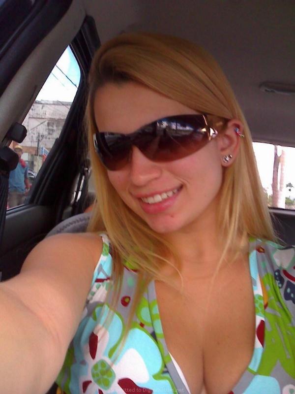 Личные снимки блондинки с большими дойками из Америки 11 фото