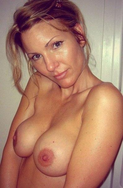 Частные снимки великолепных девушек и женщин, страдающих без секса 18 фото