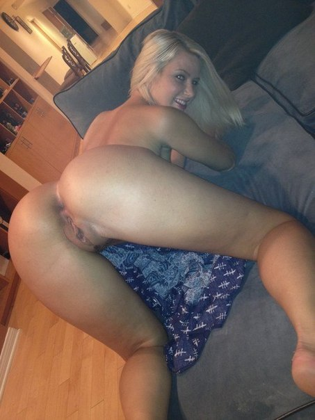 Дамочки по вечерам предпочитают быть голышом дома 21 фото