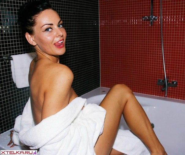 Дамочки по вечерам предпочитают быть голышом дома 12 фото