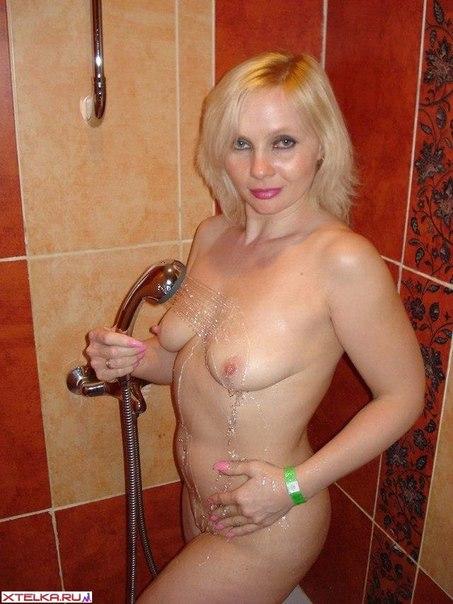 Дамочки по вечерам предпочитают быть голышом дома 10 фото