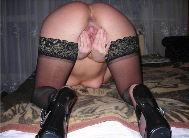 Любит играть со своей вагиной дома 24 фото