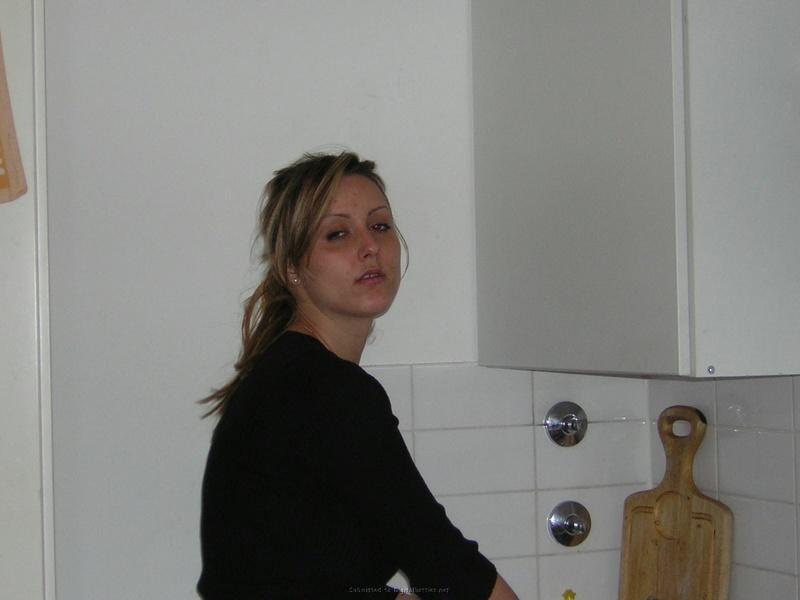 Сексуальная жена фотографируется голой для мужа 6 фото