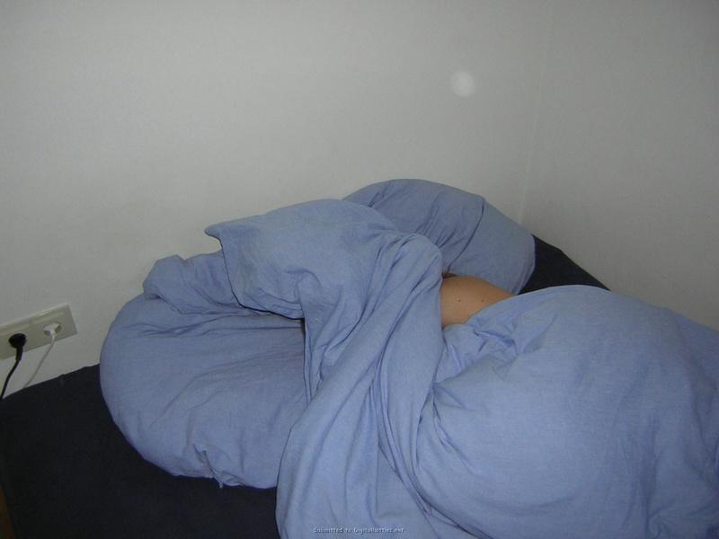 Сексуальная жена фотографируется голой для мужа 5 фото
