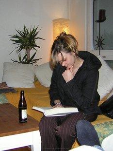 Сексуальная жена фотографируется голой для мужа