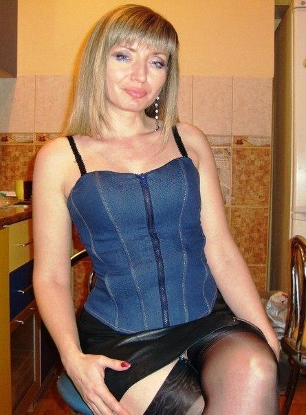 Одинокие мамочки с большими сиськами и нижнем белье 24 фото