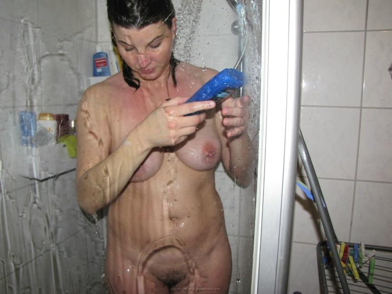 30летняя алкоголичка с проткнутыми пирсингом сосками и без него 1 фото