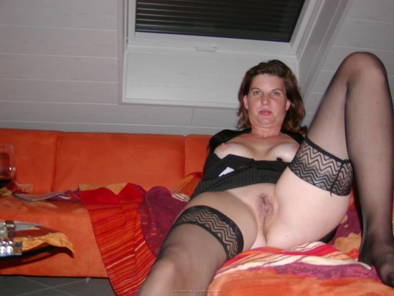 30летняя алкоголичка с проткнутыми пирсингом сосками и без него 20 фото