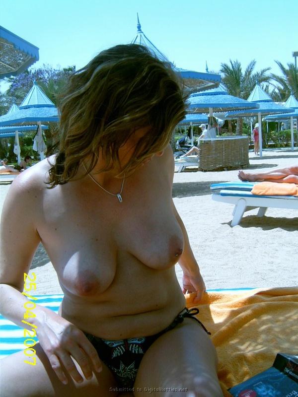 30летняя алкоголичка с проткнутыми пирсингом сосками и без него 30 фото