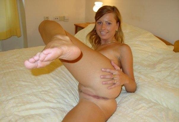 Русая домохозяйка сосет член и трахается 4 фото