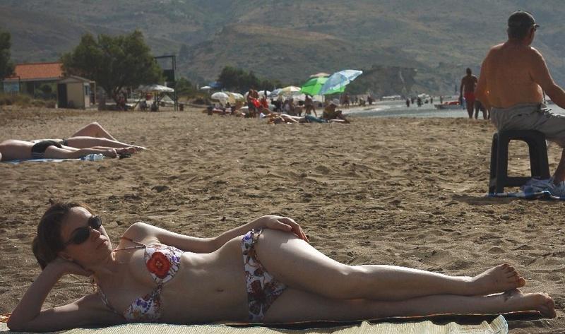 Русская мамка со стройным телом отдыхает в Крыму 2 фото