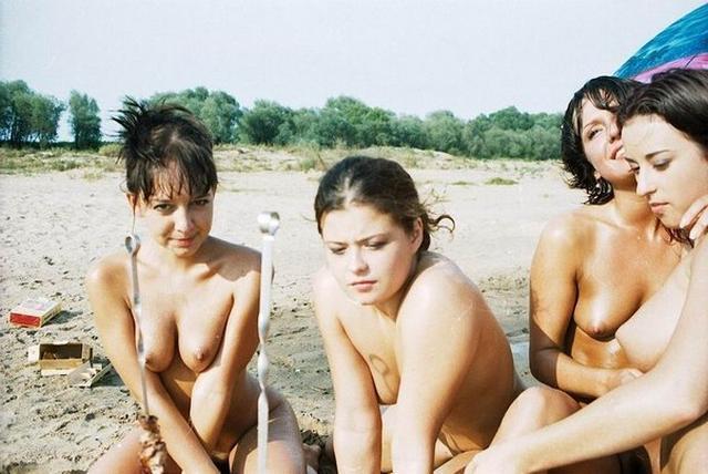 Подборка эро снимков голых девушек из СССР 18 фото