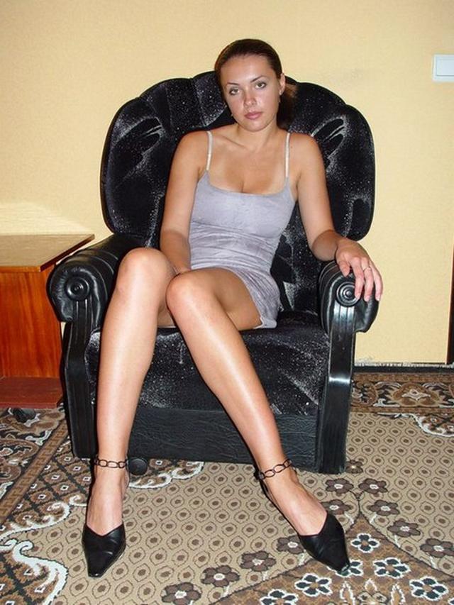 Одинокие мамочки из России палят интим снимки в соцсетях 13 фото