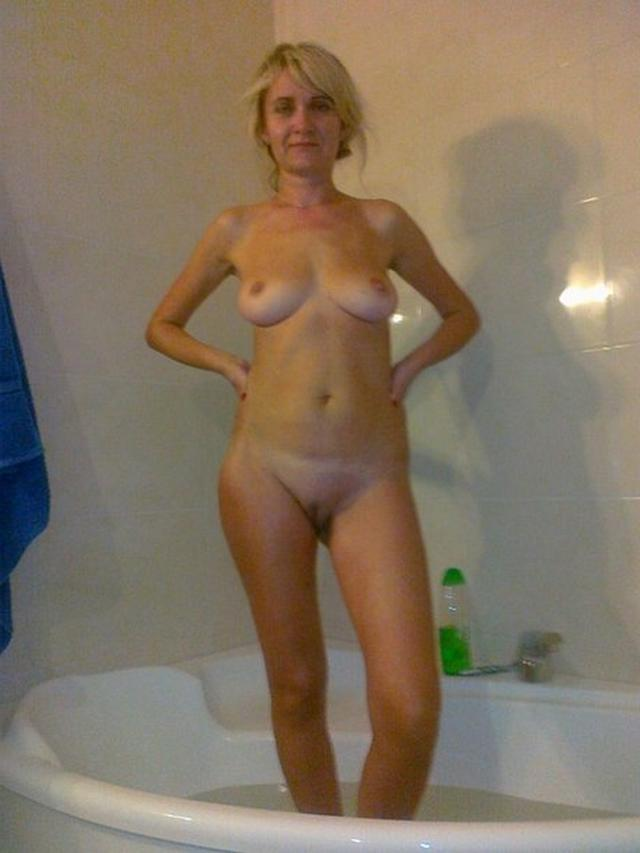 Одинокие мамочки из России палят интим снимки в соцсетях 28 фото