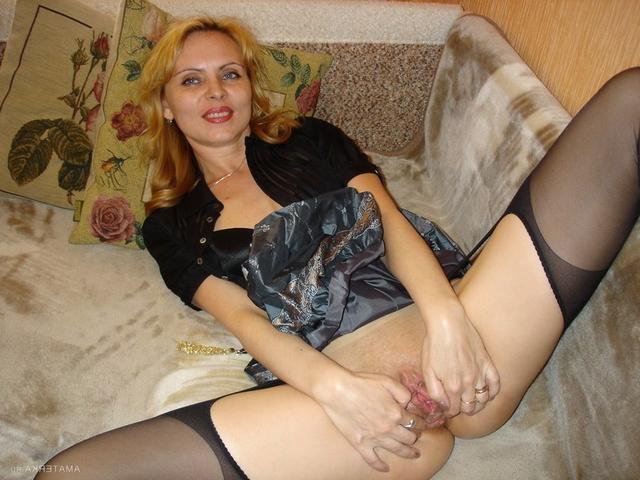 Русская мамочка трахается с любовником на курорте 12 фото